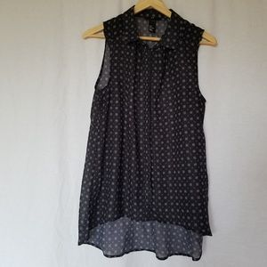 H&M floral button down sleeveless top size 8.